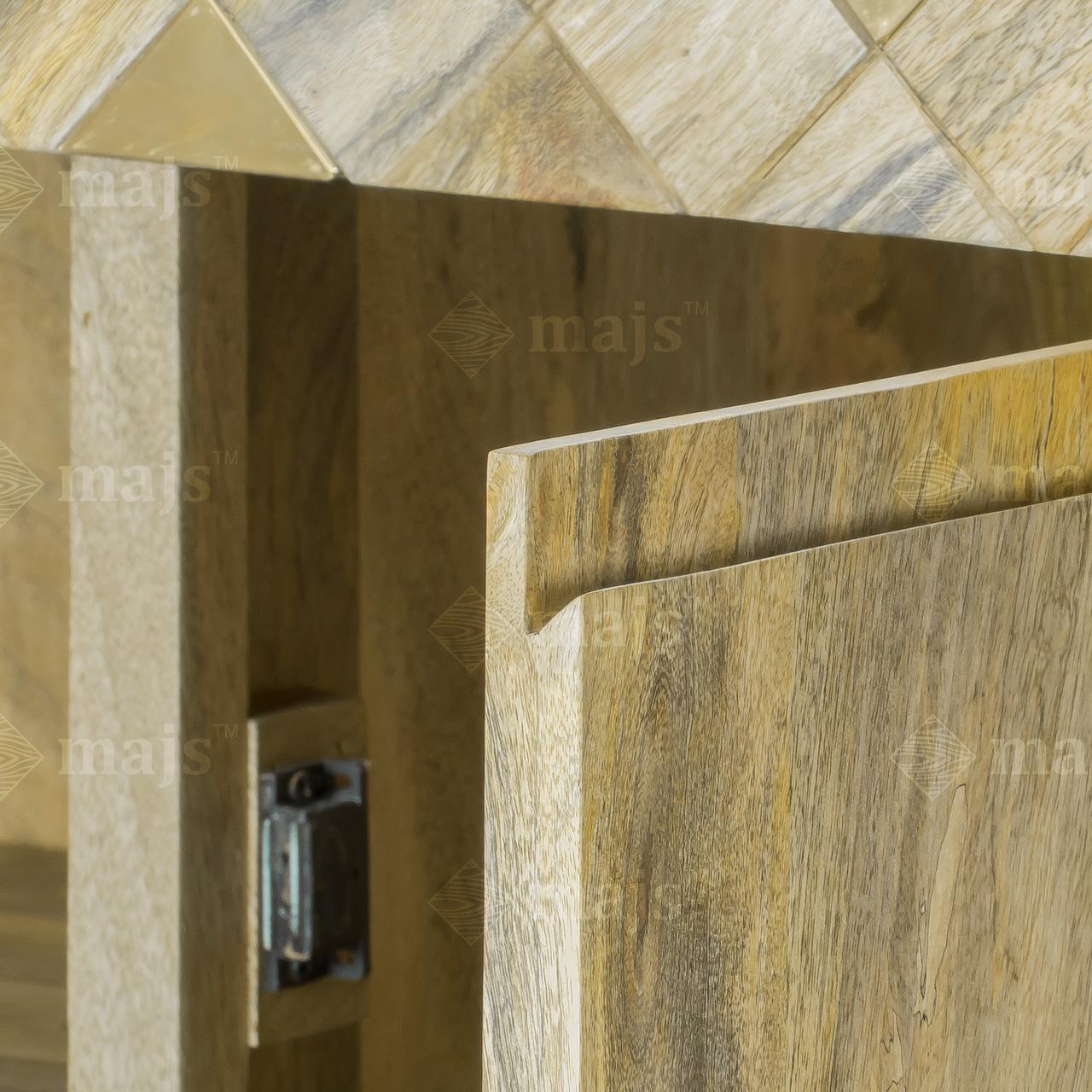 Drewniana szafka komoda z litego drewna mango